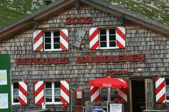 Berghaus Manndlenen: Closer view of Front    -  Manndlenen