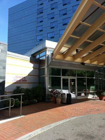 Hampton Inn & Suites Boston Crosstown Center : Fachada