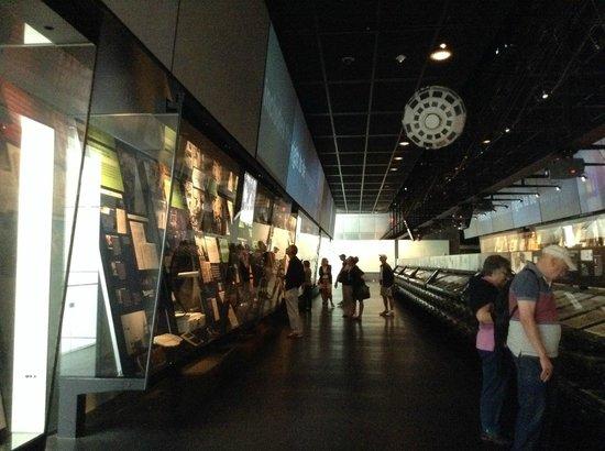 Newseum : museum floor