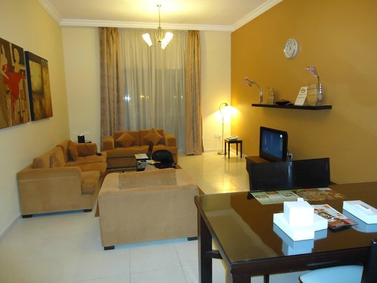 Emirates Stars Hotel Apartments : CENTRAL HALL