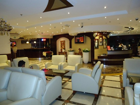 Emirates Stars Hotel Apartments: LOBBY