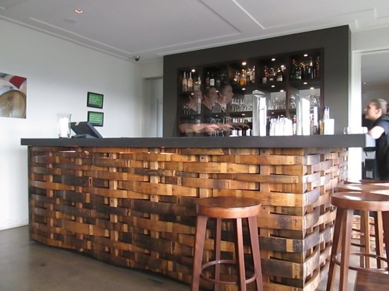 Cable Bay Vineyards Winery and Restaurant : 店内