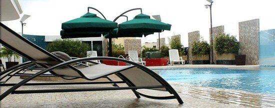 Hotel Atrium Plaza: Pool