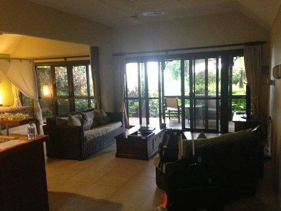 Sea Change Villas: lounge and verandah