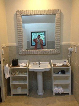 Sea Change Villas: huge bathroom