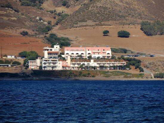 Balos Beach : вид на отель с залива