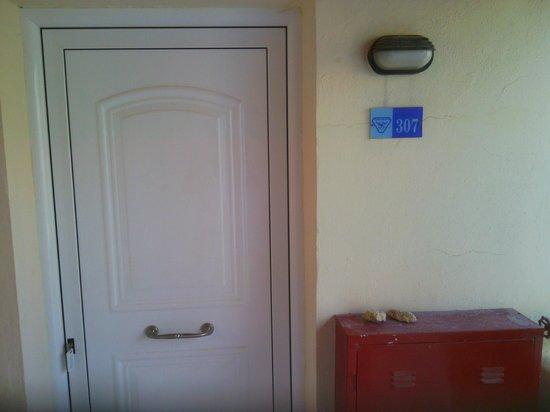 Balos Beach : дверь в номер
