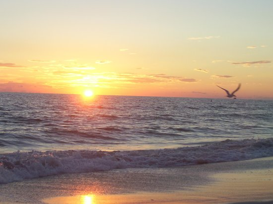 Bilmar Beach Resort: better sunsetover the beach