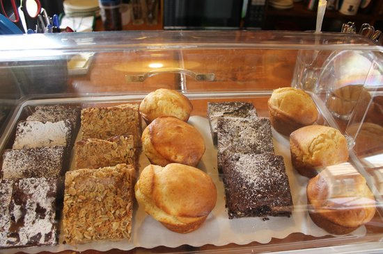 Stony River Hotel: Selection of home made slices in our coffee/shop