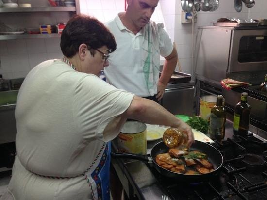 Ristorante Cin Cin: my mother and Vincenzo during class