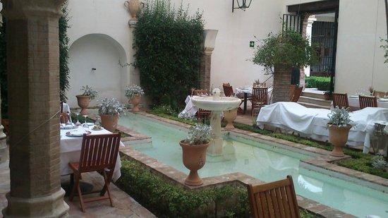 """Las Casas de la Judería: La """"terraza"""" del restaurante"""