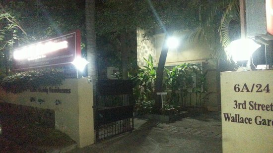 Hanu Reddy Residences,Wallace Garden : Hannu at night