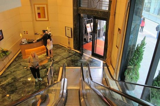 Rosedale Hotel Hong Kong: main entrace view