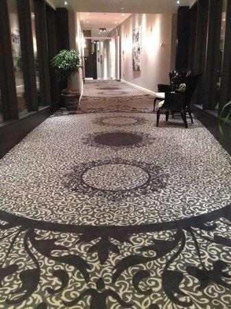 Hotel International : La passerelle entre l'hôtel International et Le Clervaux