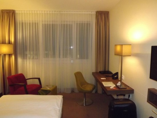 Austria Trend Hotel Doppio Wien : Двуспальный номер