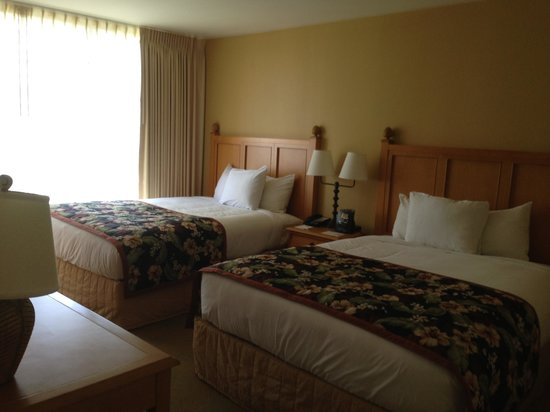 1 Bedroom Suite Picture Of Embassy Suites By Hilton Waikiki Beach Walk Honolulu Tripadvisor