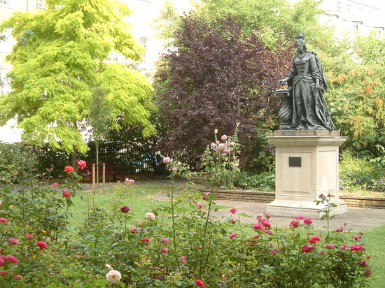 The Queen's Larder: Queen Square