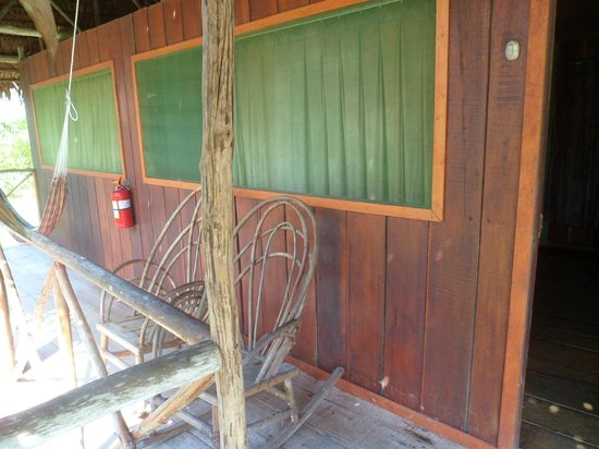 Amazon Rainforest Lodge: El bungalow por afuera