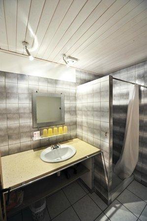 Domaine de Lagardelle: Salle d'eau Box