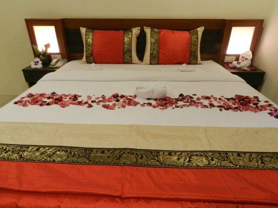 Suite Dreams Hotel: double bed