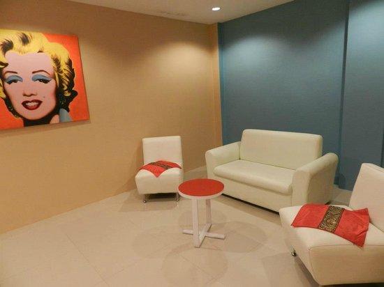 Suite Dreams Hotel: lobby