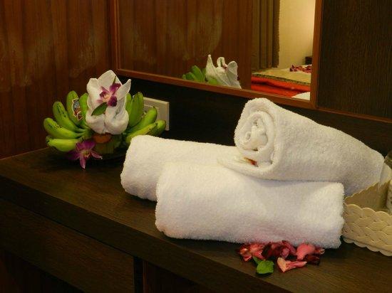 Suite Dreams Hotel: room