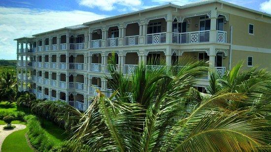 Alexandra Resort: Hotel view