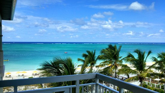 Alexandra Resort: Mango Reef ocean front room!