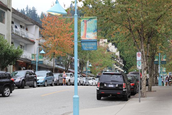 Deep Cove : parking can be an issue