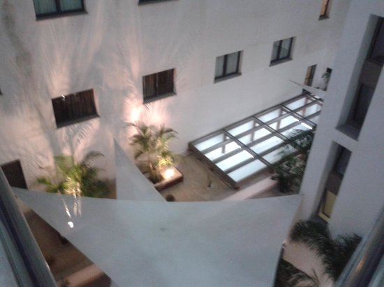 Mercure Algeciras : patio interior