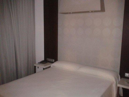 Mercure Algeciras: dormitorio