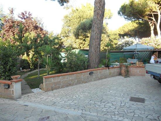 Villa Mariel: Il giardino