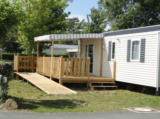 Camping Le Lagon Bleu : Mobil home ANDARO  pour PMR