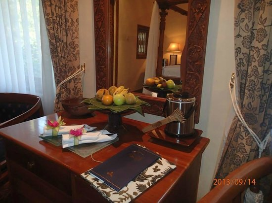 Matahari Beach Resort & Spa: Complimentary fruit