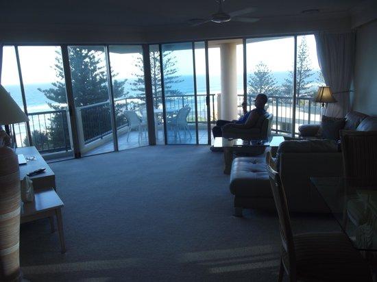 Oceana on Broadbeach: Big room