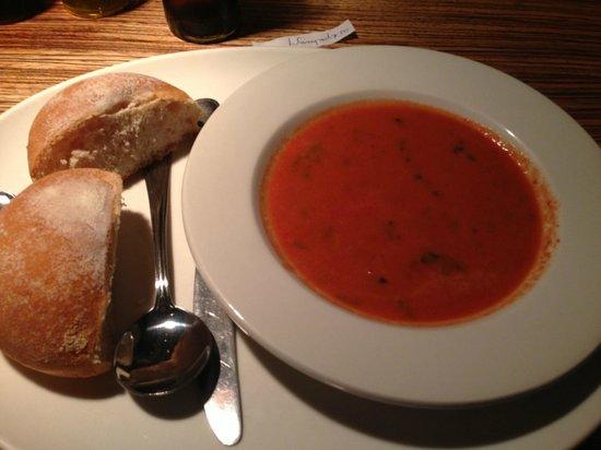 Beleza: Tomato & Fresh Basil Soup