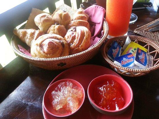 Bidadari Private Villas & Retreat: delicious bread basket