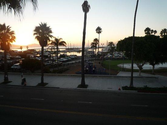BEST WESTERN Beachside Inn: Sunrise from our balcony