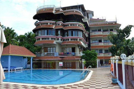 Hill & Sea View Beach Resort: Hotel with pool area