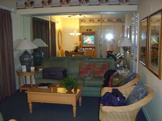 Liki Tiki Village: Living Room
