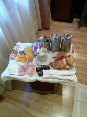 Hotel Derby: Breakfast