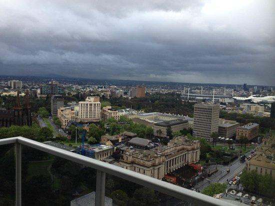 Oaks on Lonsdale: Balcony view