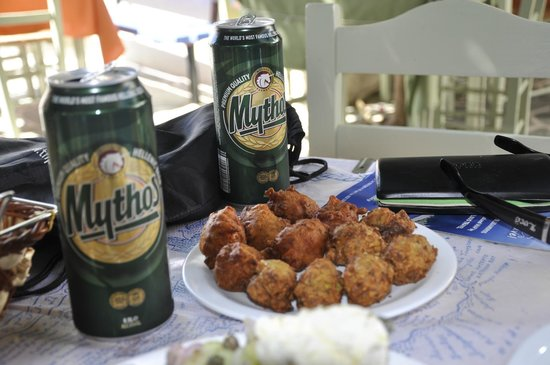To Spitiko: Mythos and tomato balls