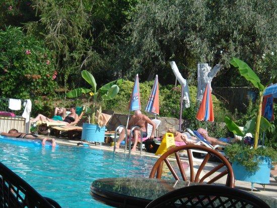 Balkaya Hotel : Pool area.