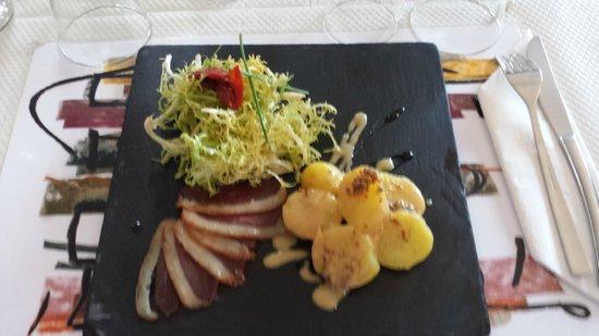 Magret fum salade de pommes de terre la moutarde de meaux photo de aux quatre saisons - 4 saisons meaux ...