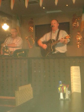 BEST WESTERN Eviston House Hotel: Entertainment in the Danny Man