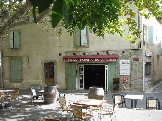 Bar Le Minervois: On a bright sunny day . . . .