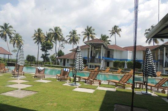 Edassery Island Inn Resort