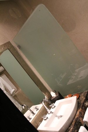 Palais Aziza & Spa: bathroom - standard room
