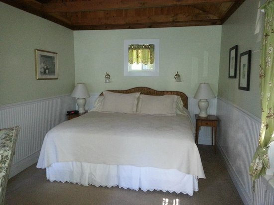 Manor House Inn: Kingsize Bett